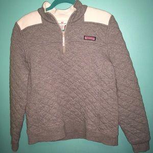 VineyardVines quilted sweatshirt(read description)